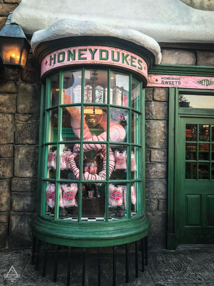 Store window of Honeydukes in Harry Potter World Orlando.