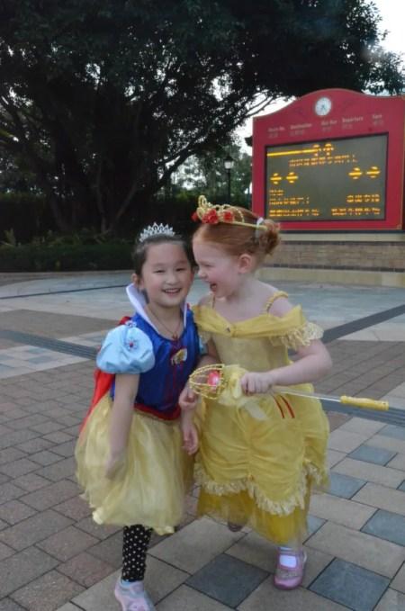 Hong Kong Disneyland Friends