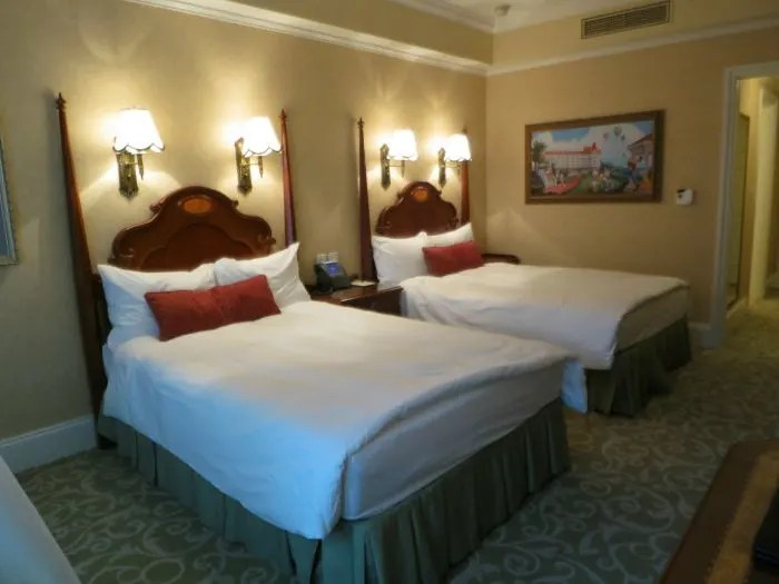 Hong Kong Disneyland Hotel Beds