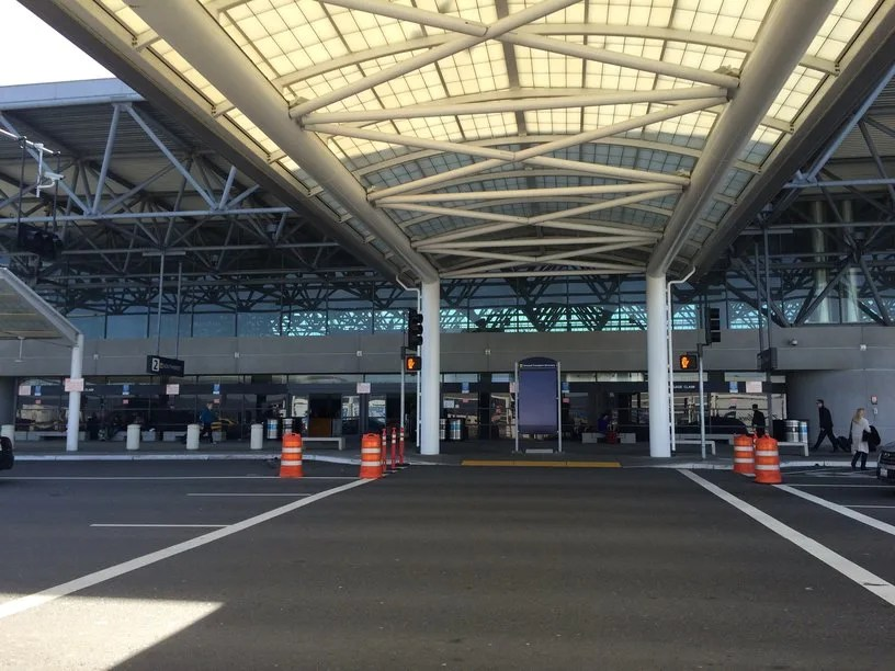 Navigating Oakland Airport with Kids: OAK Terminal 2