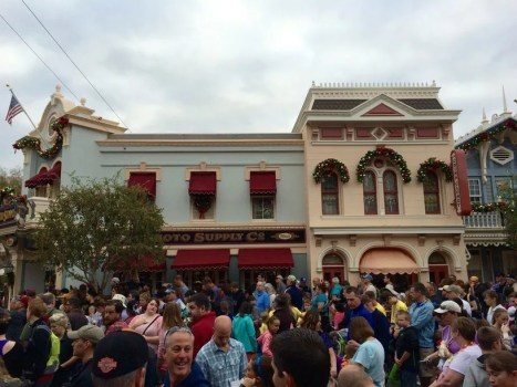 Disneyland Crowds at Rope Drop on Holiday Weekend