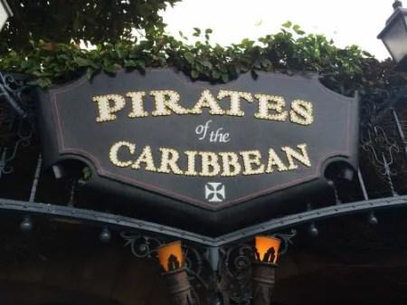 Disneyland vs. Disney World Pirates Sign
