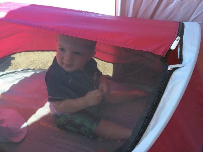 KidCo Peapod at the Beach & KidCo PeaPod Review: The Most Compact Bed for Toddler Travel ...
