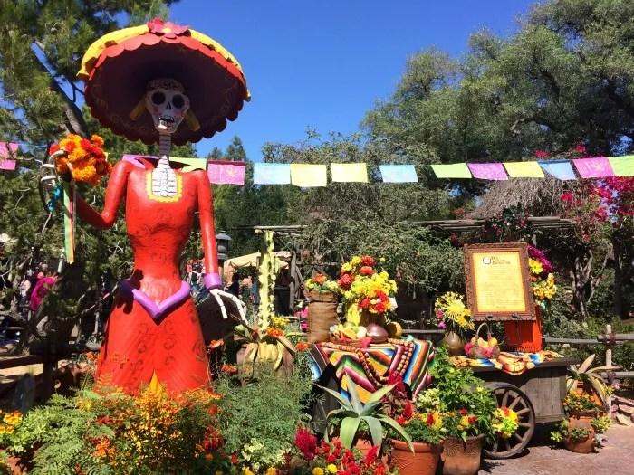 Halloween Time Disneyland Dia de los Muertos