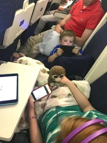 United with Kids - Late Night Flight