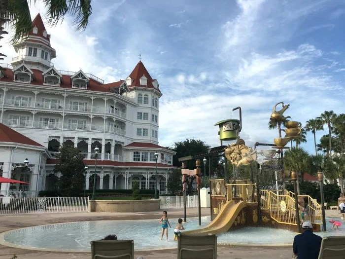 Disney's Grand Floridian Review - Mad Hatter Pool