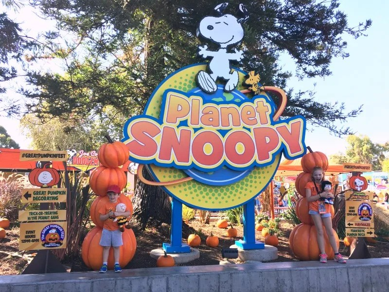 Great Pumpkin Fest Californias Great America - Planet Snoopy Halloween Decorations