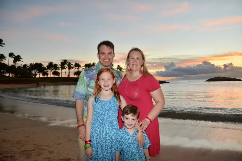 Disney Aulani Splurges - Photopass Family Sunset Photos on Beach