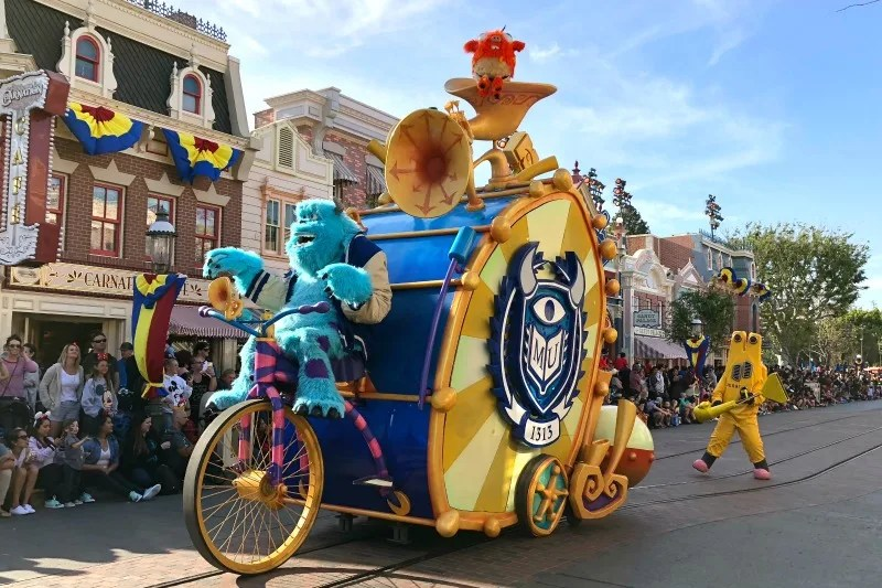 Pixar Fest at Disneyland - Pixar Play Parade Sully