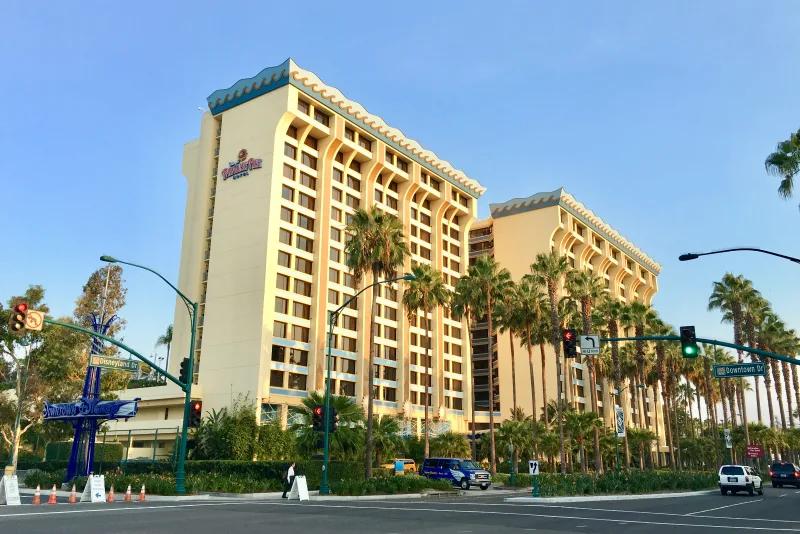 Disney Paradise Pier Hotel
