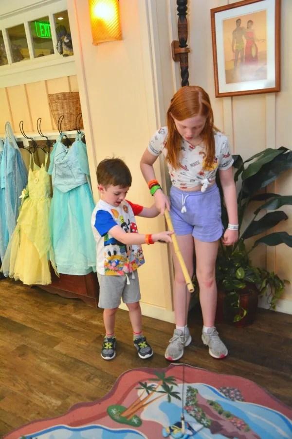 Disney Aulani Auntys Beach House - Fishing