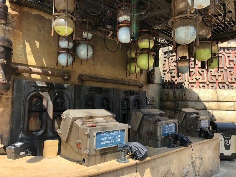 Star Wars Galaxys Edge Disneyland - Milk Stand