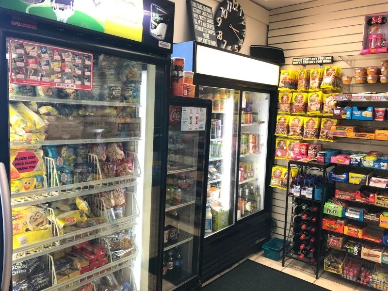Howard Johnson Anaheim - Gift Shop Snacks