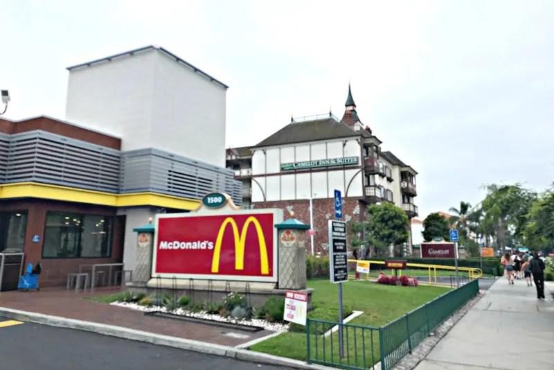 Howard Johnson Anaheim - McDonalds Nearby