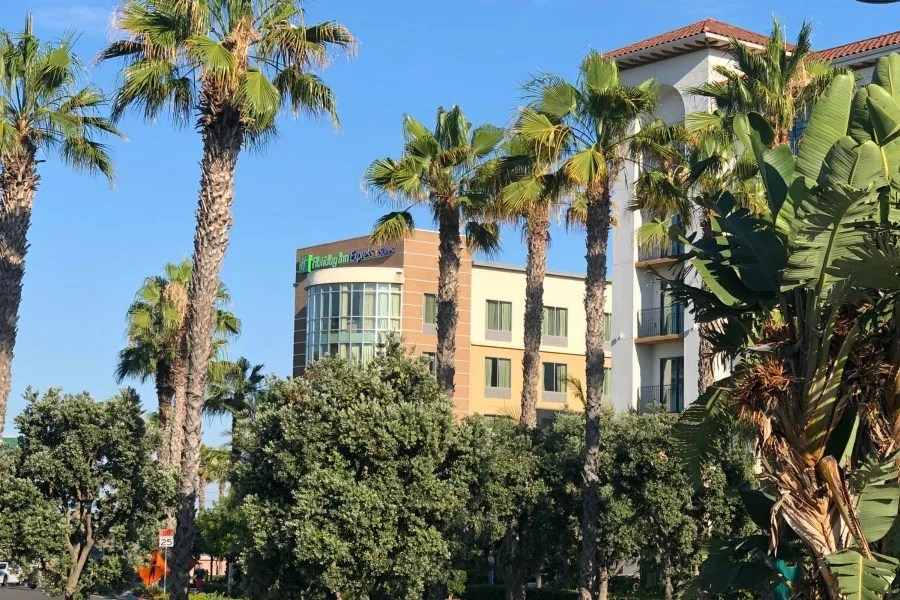 Hotels Near Disneyland - Holiday Inn Express