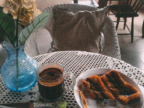 Menu favorit, kopi aroma dan french toast