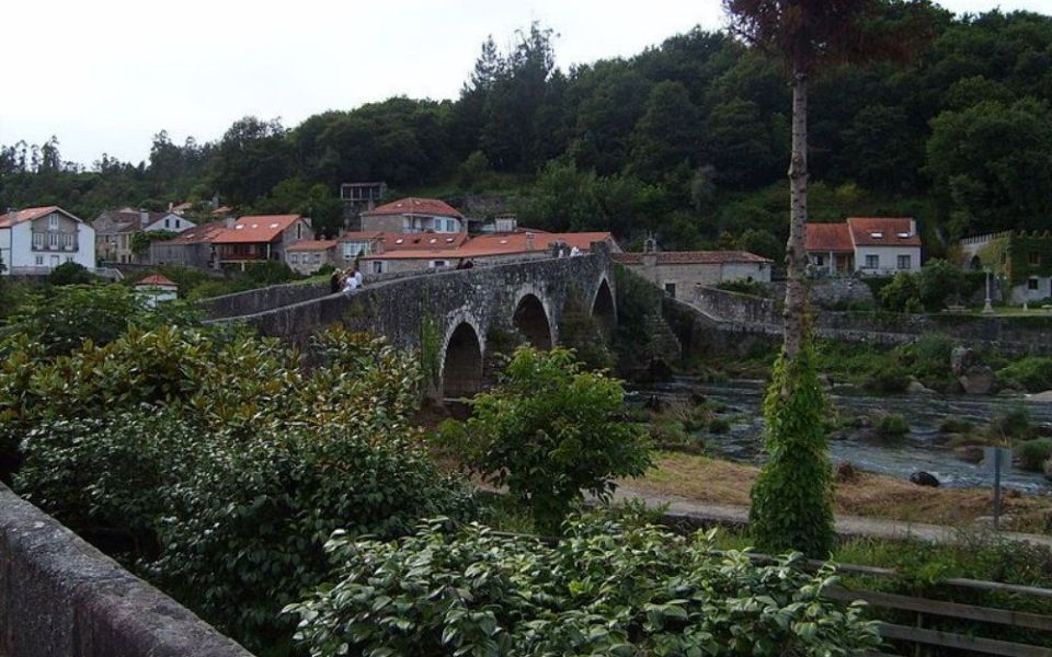 Camino de Santiago en cinco días hasta Finisterre, casas rurales, hoteles, hostales, pensiones, viajes, vacaciones, reservas, Negreira, Alveiroa, Cee