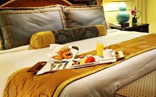 hotelkamer met ontbijt