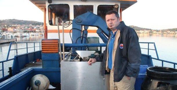 Ravnatelj NP Kornati Robert Bobinac i mini uljara