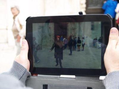 Virtualni Juraj  govori iz 'tableta' o katedrali