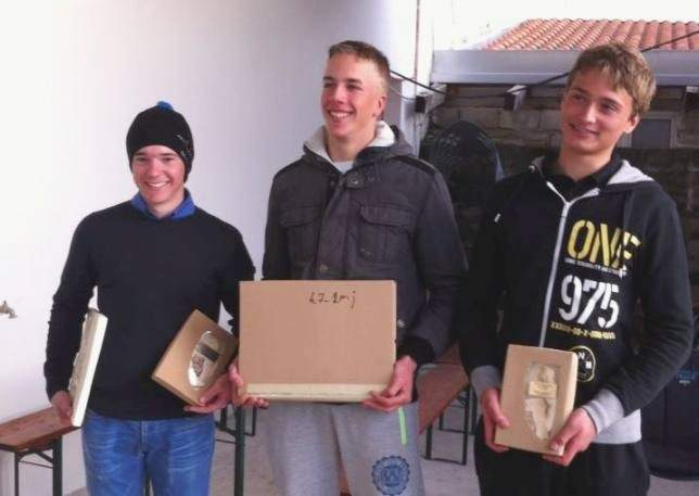 Podjednici Kupa Kairosa u Trogiru u klasi laser - Marin Desabota u sredini (Foto: jkval.hr)