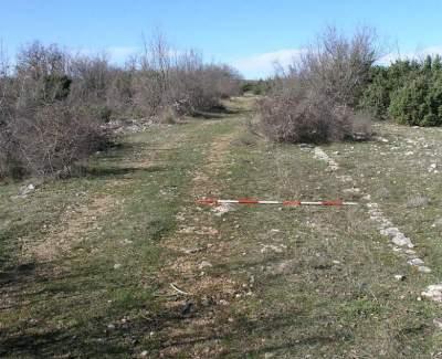 Novootkrivena najduža rimska cesta u Hrvatskoj ugrožena vjetroelektranama