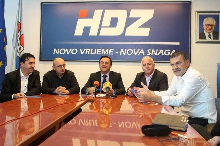 HDZ - Konferencija za novinare 23. svibnja 2014. (Foto H. Pavić) (2)