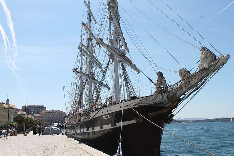 Brod Belem, jedan od najstarijih svjetskih jedrenjaka – u Šibeniku: doveo ga šibenski zet