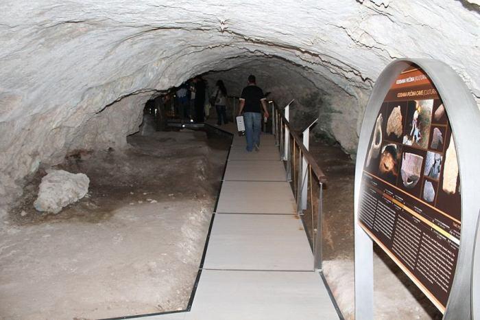 Ulaz u Oziđanu pećinu (Foto H. Pavić)