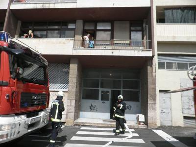 Požar u ulici fra Stjepana Zlatovića, snimila. J. Klisović
