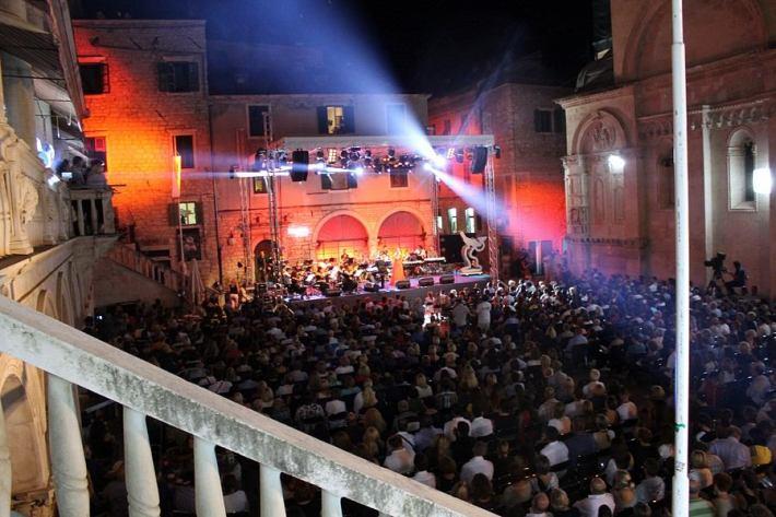 Večeri dalmatinske šansone u Šibeniku (Foto H. Pavić) (12)