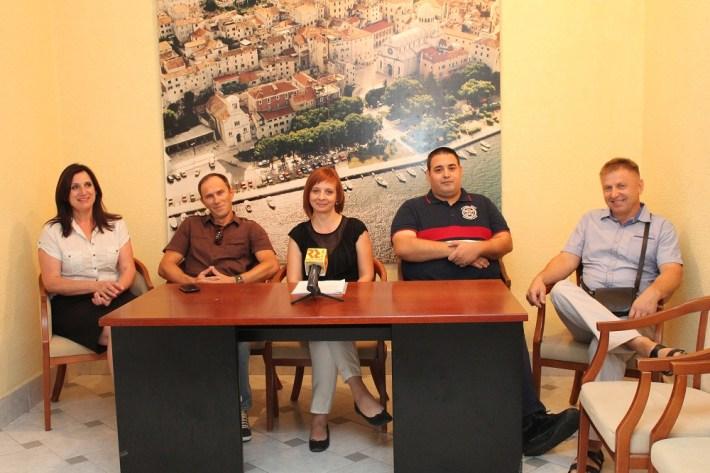 Laburisti i HDZ Tisnog - Peticija za Jazinu (Foto H. Pavić) (7)