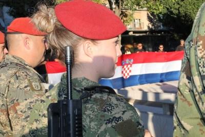 Ivan Vekić na proslavi u Šibeniku: 'Ulice, gostionice, osmrtnice, optužnice, kaznionice, bolnice, ludnice… privilegije su branitelja'