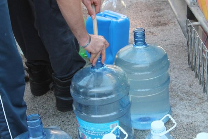 Voda je izvor života. Nekome je izvor zarade, a nekome zaraze (Foto H. Pavić) (5)