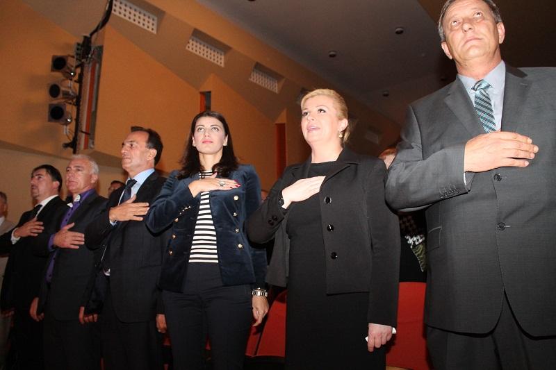 Predsjednička kampanja: U Vodice stigla Kolinda Grabar Kitarović, a HDZ-ovci pozdravili predsjednicu RH