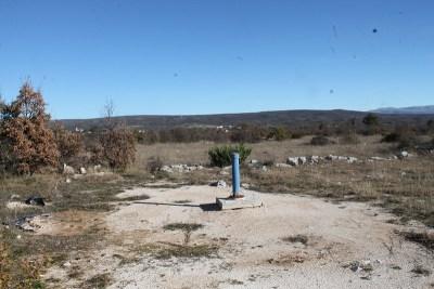 Unešić, Gornji Planjani: Iz bušotine nije p(r)otekla voda, a rafinerijski otpad?