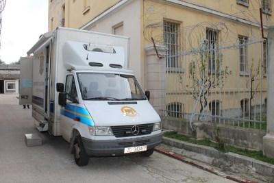 I zatvorenici trebaju osobne dokumente – šaltersko vozilo MUP-a u šibenskoj kaznionici