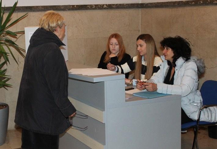 Predsjednički izbori 28. prosinca 2014. - glasovanje (Foto H. Pavić) (4)