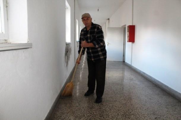 Strmica - Osnovna škola još uvijek je izbjegličko naselje (Foto H. Pavić) (17)