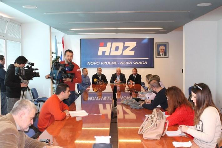 Hrvoje Zekanović, Boris Dukić, Goran Pauk i Florijan Žižić - konferencija za novinare (Foto H. Pavić) (1)