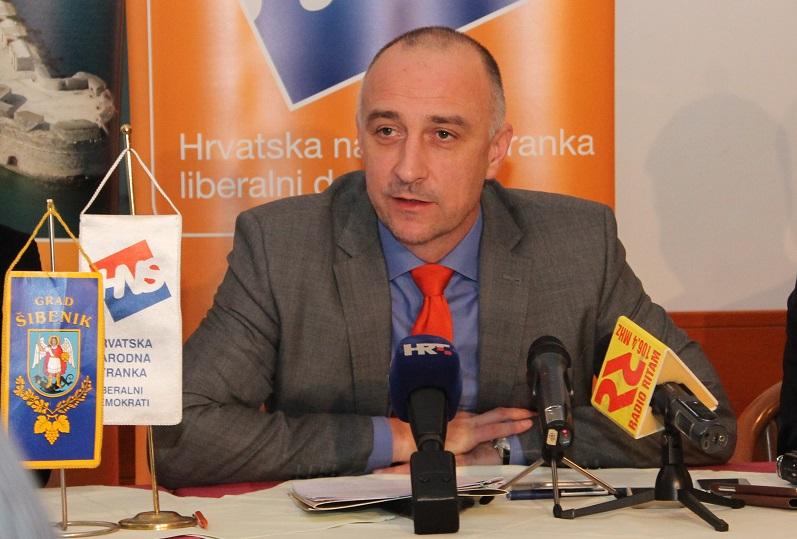 """Ivan Vrdoljak i """"igra"""" sa Zakonom o udžbenicima: Kurikularna reforma kao HNS-ov """"smokvin list"""""""