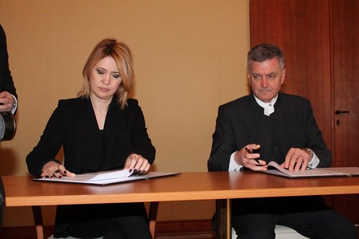 Ministrica Milanka Opačić i gradonačelnik Željko Burić (Foto H. Pavić)