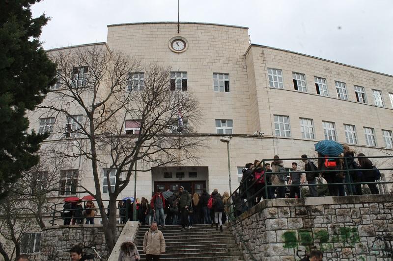 Ministarstvo obrazovanja: Tražimo poništenje rješenja o zaduženjima nastavnika Ekonomske škole