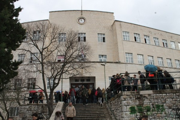 Srednja ekonomska škola - prosvjed učenika (Foto H. Pavić) (12)