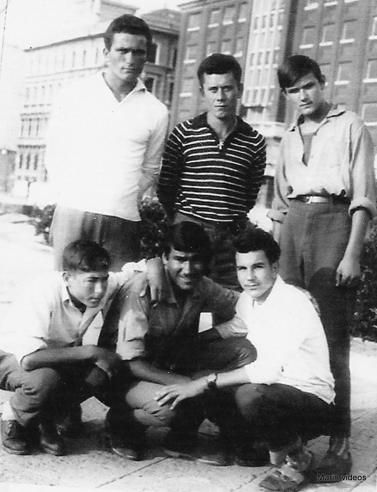 Gašpar Marov, Tome Jezerac, Stipe Šoda, Nikola Pavić, Marin Crvelin i Ive Čorkalo Pumpela u Trstu - ulični fotograf je 19. lipnja 1960. načinio fotografije koje i danas čuvaju