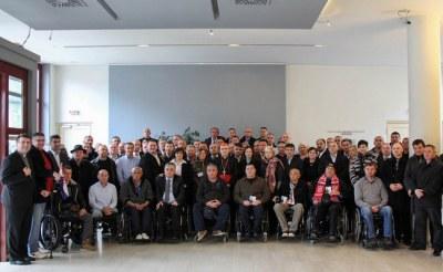 Branitelji iz Savske 66 s nadbiskupom zagrebačkim Bozanićem (Foto: Zagrebačka nadbiskupije)