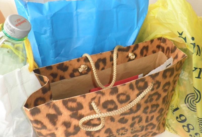 Potrošači će trgovcima plaćati njihovu reklamu na plastičnim vrećicama. Država ponovo izigrala potrošače!