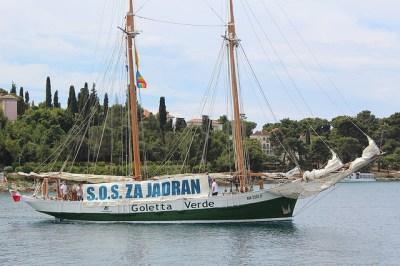 Prosvjedni brod kreće iz Rovinja (foto S.O.S za Jadran)