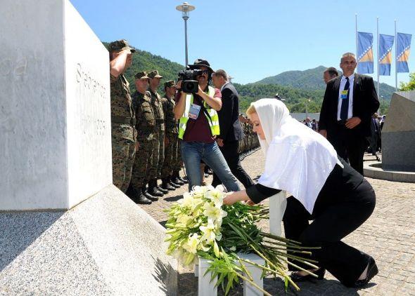 Predsjednica na obilježavanju 20. obljetnice genocida u Srebrenici (Foto: Ured predsjednice RH)