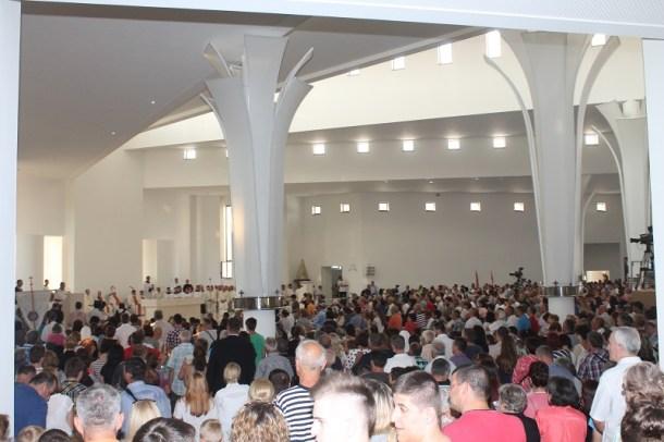 Posveta crkve Gospe Velikog Hrvatskog Krsnog Zavjeta (Foto H. Pavić) (12)
